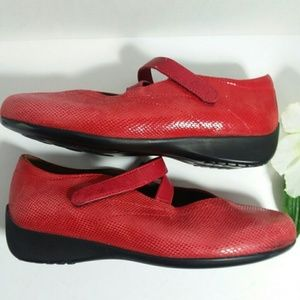WOLKY Red Leather Mary Jane flat/loafer